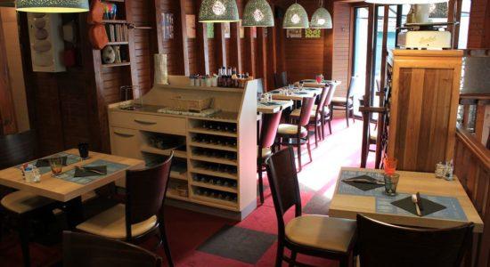 Salle du restaurant le Bistro Bouche à Cherbourg